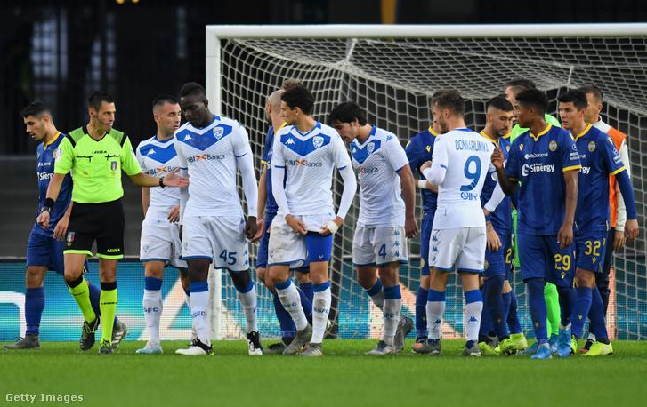 Mario Balottelli levonult a pályáról a Verona–Brescia-bajnokin 2019. november 3-án