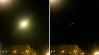 Videón a pillanat, mikor a rakéta eltalálja az ukrán utasszállítót