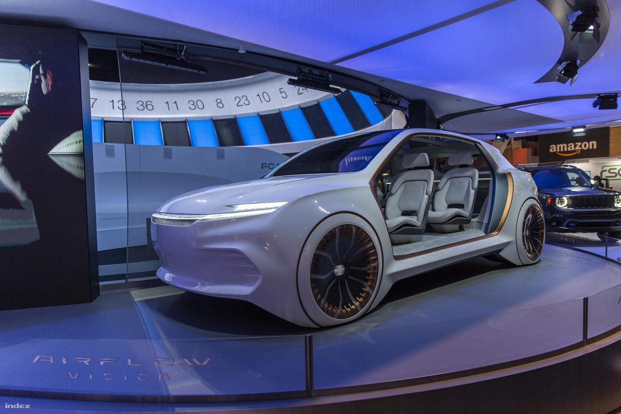 A Fiat Chrysler Automobiles (FCA) a harmincas években gyártott art decós Chrysler Airflowt idézte meg a CES-en, az Airflow Vision koncepcióautóval, amiről nem tudni sokat, csak annyit sejteni, hogy potenciálisan egy luxuskategóriás autonóm elektromos autó válhat belőle, ha kibújik a koncepcióbőrből.