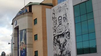 Magyar hátvéd került a Chelsea-stadion óriásposzterére