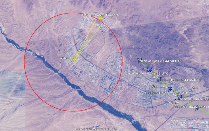 A felvétel készítőjének pozíciója, ahonnan a sárga és a zöld vonal közötti területet láthatta be telefonjával. A gép útvonala alapján épp ott érhette el a légvédelem rakétája az ukrán utasszállítót.