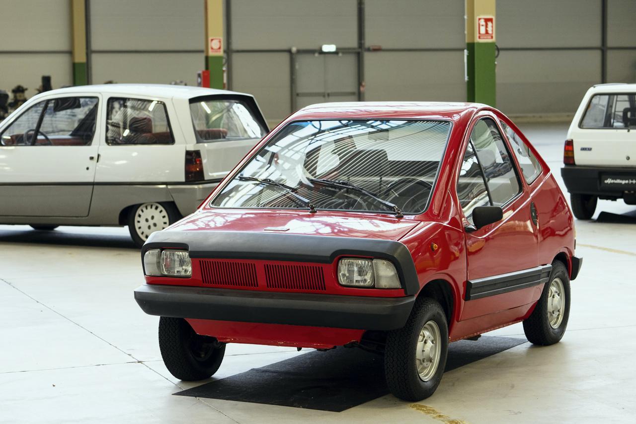 Talán az Autó-Motor valamelyik hetvenes évekbeli számából volt ismerős ez a pöttöm gép. A városi kisautó egyik lehetséges formáját igyekezett előre vetíteni a Fiat XI/23, 1972-ben. Elektromos hajtással!
