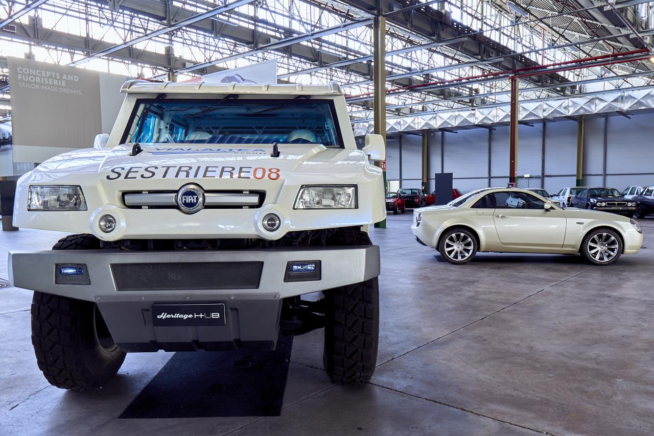 Formák találkozása. A Fiat Oltre 4,8 méter hosszú, 2,2 széles és 2,05 méter magas, akár másfél méter mély vízben is elmegy. A Lancia Fulvia témára 2000-ben készült tanulmány sajnos terv szintjén maradt – kár érte, részleteiben is nagyon igényes és szép.
