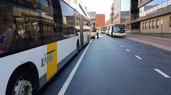 Súlyosan megkéselték, de még egy órán át vezetett a belga buszsofőr