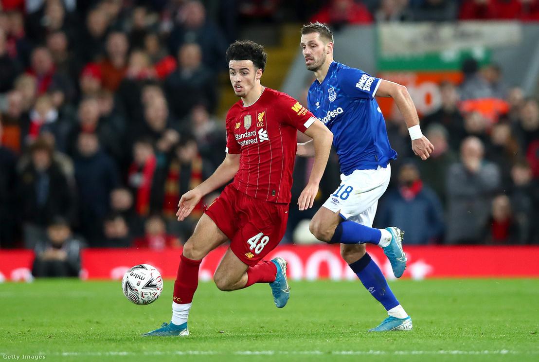 A Liverpool–Everton FA-kupa-mérkőzésen a 2001-es születésű Curtis Jones szerezte a győztes gólt