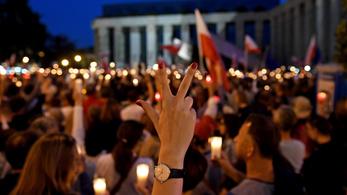 Tizenhét EU-s országból vonulnak majd bírók a varsói tüntetésen