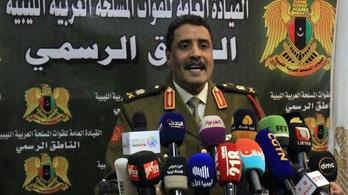 Beleegyezik Haftar tábornok a líbiai tűzszünetbe