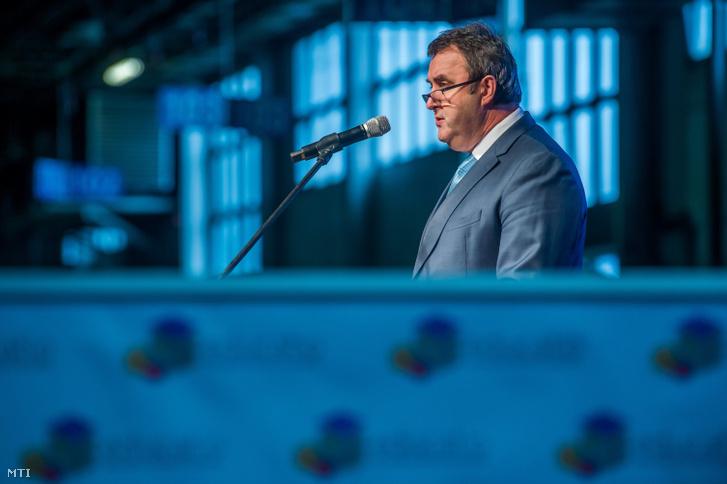 Palkovics László innovációs és technológiai miniszter beszédet mond a 20. Educatio Nemzetközi Oktatási Szakkiállítás megnyitóján a fővárosi Hungexpón 2020. január 9-én.