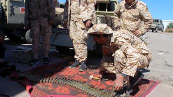 Csak néhány percig tartott a fegyvercsend Líbiában