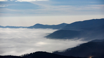 Átláthatatlan köd lesz, sárga riasztást adott ki a meteorológiai szolgálat