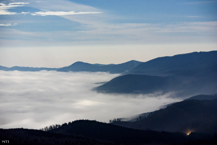 Talaj menti köd látszik Galyatetõrõl fotózva 2020. január 10-én