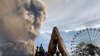 Kitört egy vulkán, hatezer ember került veszélybe a Fülöp-szigeteken