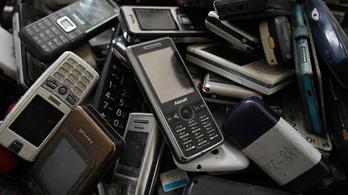 Közel másfél tonna használt mobiltelefont gyűjtöttek be Magyarországon