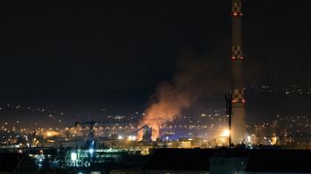 Robbanást hallottak, öt épület lángolt Óbudán, nem a felsővezeték és nem gázpalack okozta a tüzet