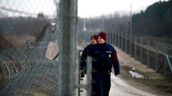 Háromszáznál is több határsértőt találtak a rendőrök a hétvégén