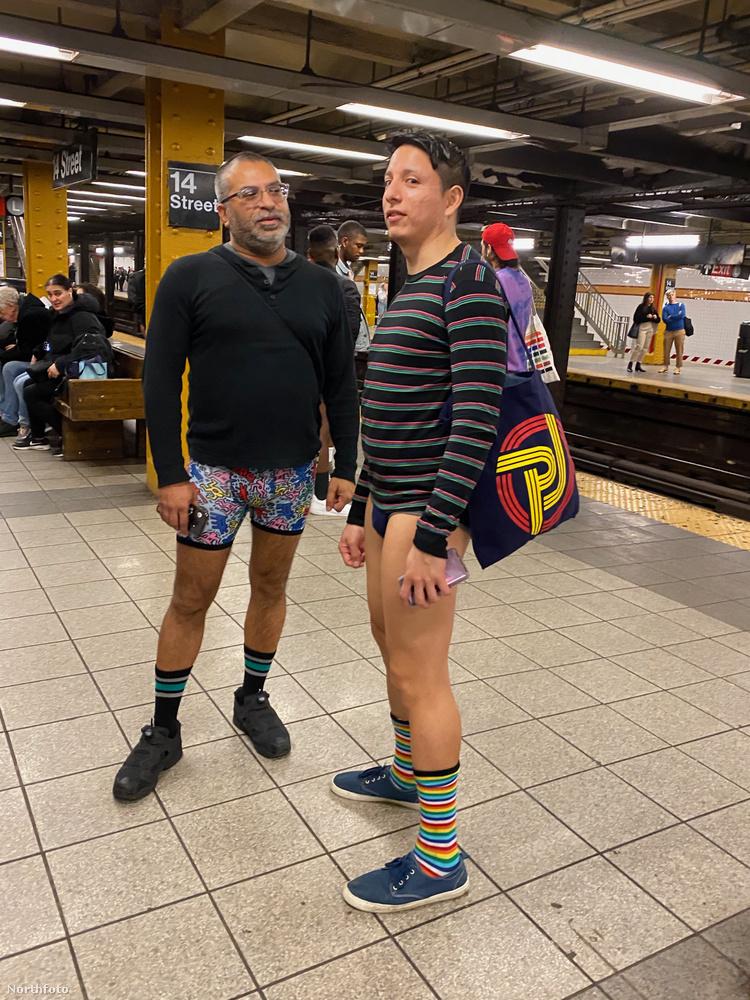 A No Pants on Subway remek lehetőséget nyújt, hogy dicsekedhessünk különleges alsónkkal vagy zoknikkal