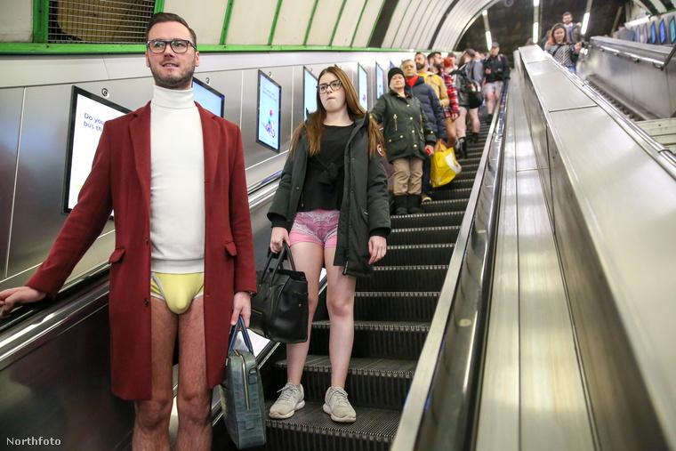 Idén is megtartották a No Pants on Subway napot, ami arról szól, hogy az akcióban résztvevők nadrág nélkül metróznak egyet