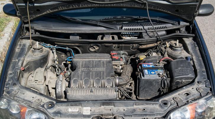 A motor titka: eszi az olajat. Nem vészesen, de határozottan