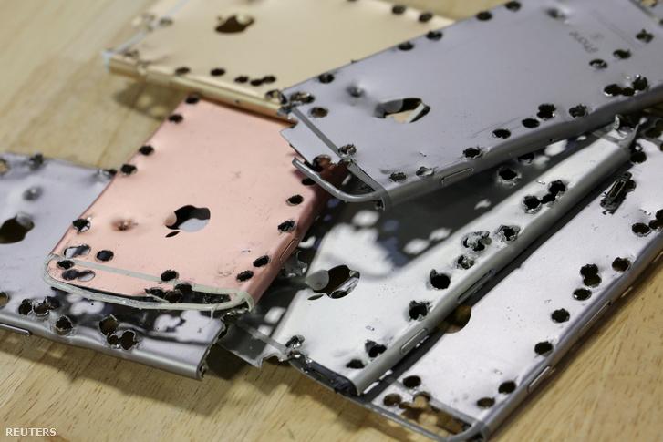 Alumínium iPhone-tokok, miután a Daisy robot befejezte a szétbontásukat