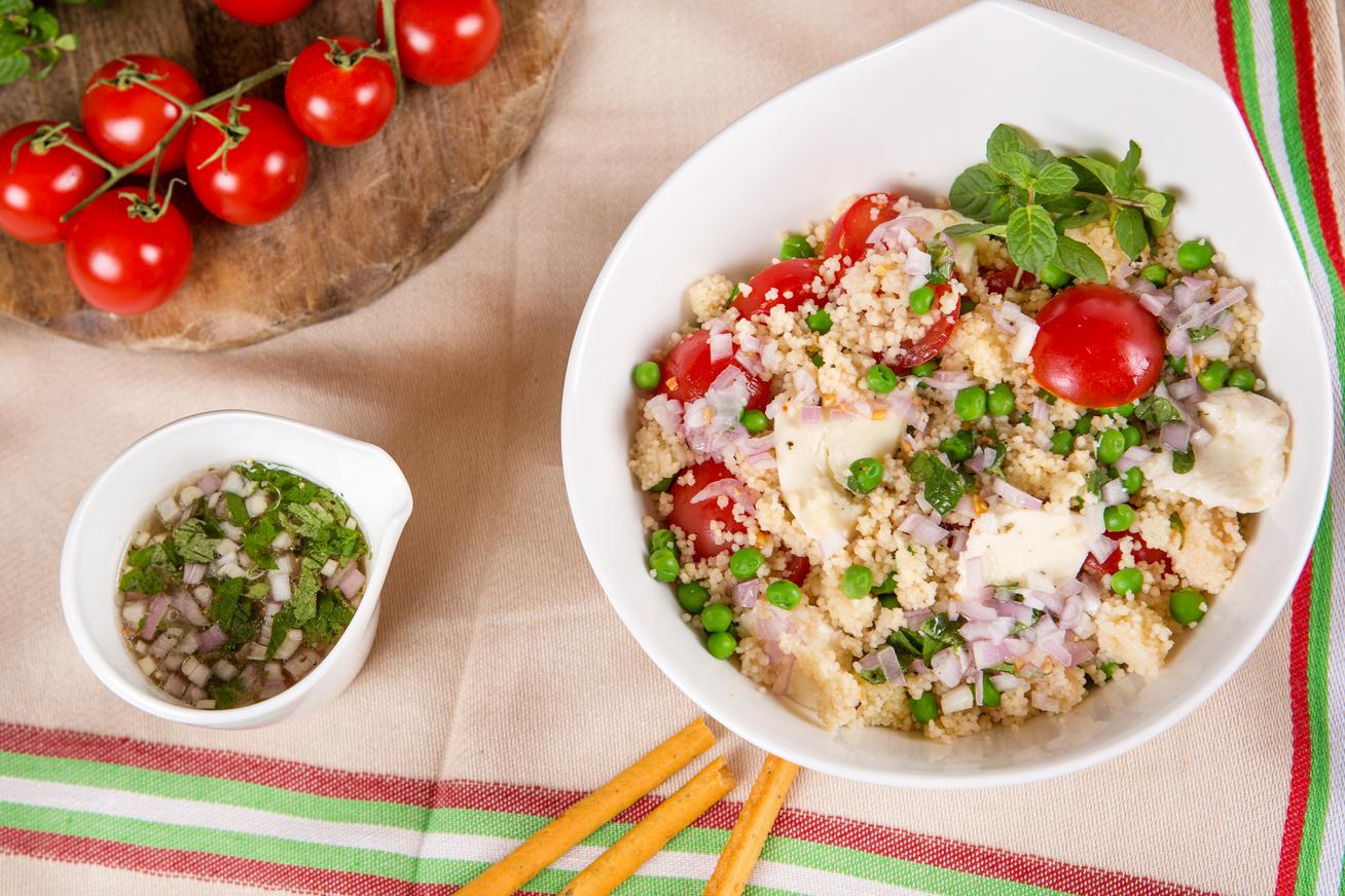 paradicsomos-mozzarellas-kuszkuszsalata