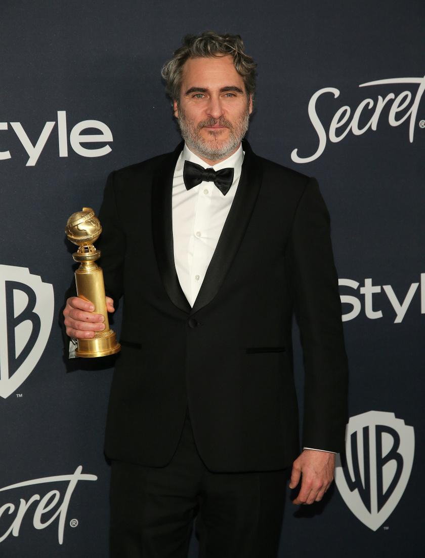 Joaquin Phoenix a Jokerben nyújtott alakításáért Golden Globe-díjat kapott január 5-én, emellett az idei Oscarra is jelölték.