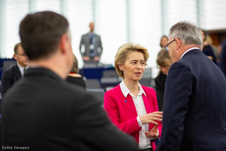 Ursula von der Leyen és Nicolas Schmitt