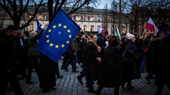 Brüsszel beavatkozik a lengyel bírák védelmében