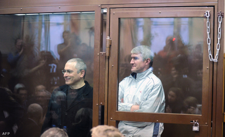 Mihail Hodorkovszkij és Platon Leonyidovics Lebegyev 2010. december 27-én.