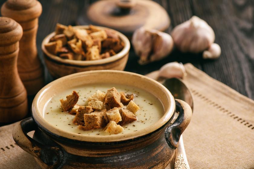 Selymes és pikáns fokhagymakrémleves ropogós betéttel – Isteni finom és az immunrendszernek is jó