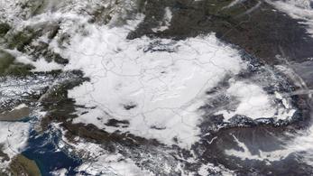 Továbbra is szmogriadó van Budapesten, az űrből is kivehető a ránk ülő hidegpárna