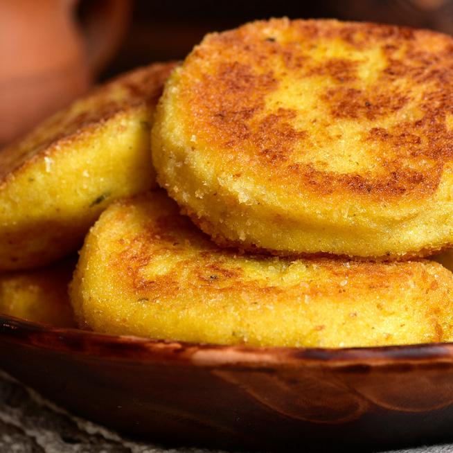 Gyors parmezános krumplis lepény: maradék püréből is tökéletes