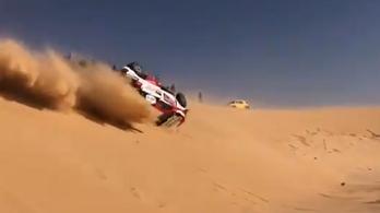 Dakar: Alonso csúnyán ellszállt egy homokdűnén