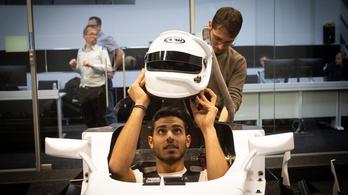 15 évvel később az izraeli F1-turista fia is elérte a Forma-1-et