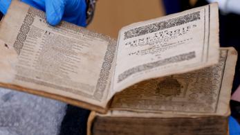 8 millió dollár értékben loptak el kiadványokat egy amerikai könyvtárból