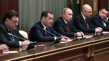 Lemondott a teljes orosz kormány