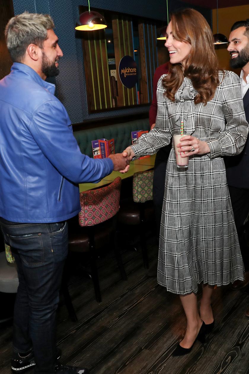 Katalin hercegné nagyon sikkes volt ebben a Zara ruhában.