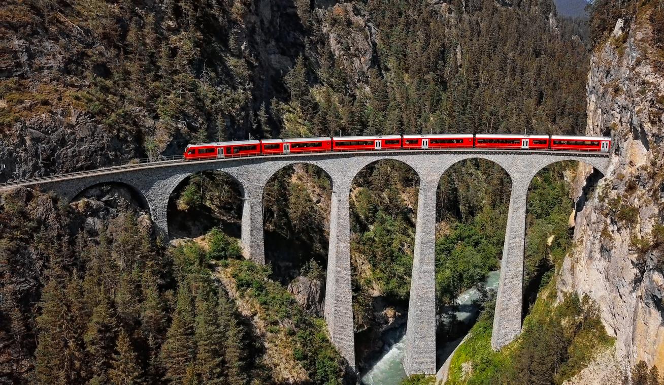 landwasser viadukt bernina svájc