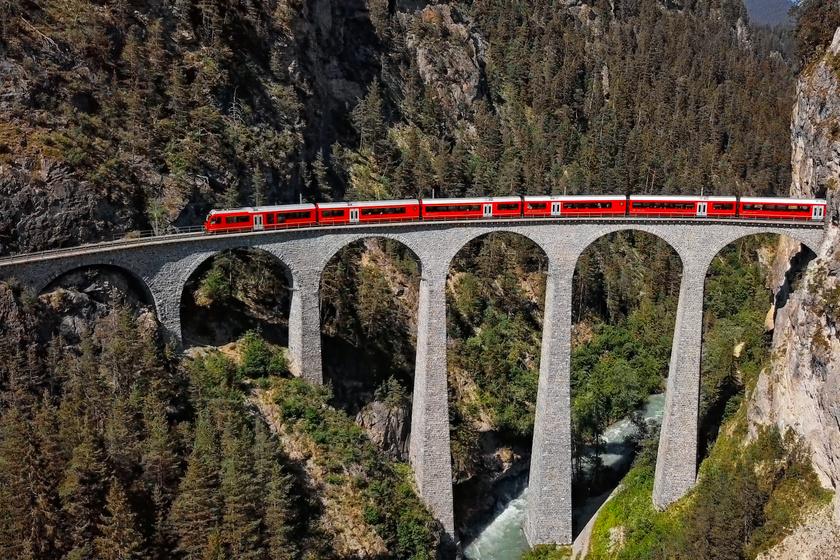 4 óra az út Európa leggyönyörűbb vasútvonalán: minden perc egy élmény