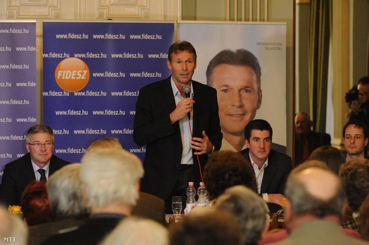 Bohács Zsolt a Fidesz-KDNP szegedi országgyűlési képviselőjelöltje beszél a szegedi Tisza szálló tükörtermében rendezett választási fórumon 2014. március 24-én.
