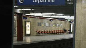 Azt kérik civilek, ne nevezzék át az Árpád híd metrómegállót
