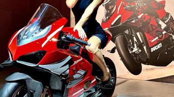 Itt az első kép a Ducati Panigale V4 Superleggeráról