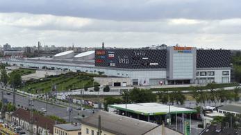 Másfélszeresére bővítik az Arena Plazát