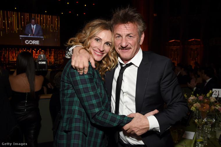 A CORE nevű alapítvány javára rendeztek gálavacsorát szerda este rengeteg híresség részvételével Los Angelesben