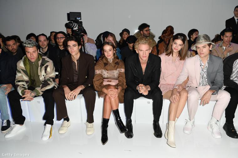 A névsor balról jobbra: Fedez, Tamino, Leonetta Fendi, Cody Simpson, Barbara Palvin és Dylan Sprouse