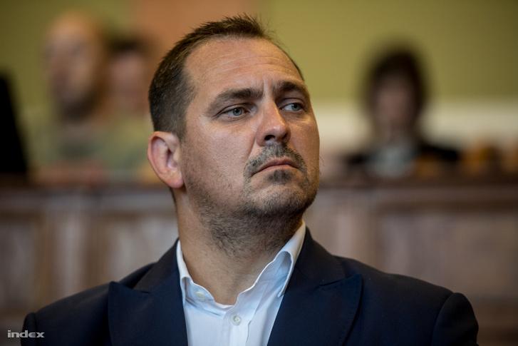 Mengyi Roland Borsod Megye fideszes képviselője a Markó utcai bíróságon 2017. júlus 12-én.