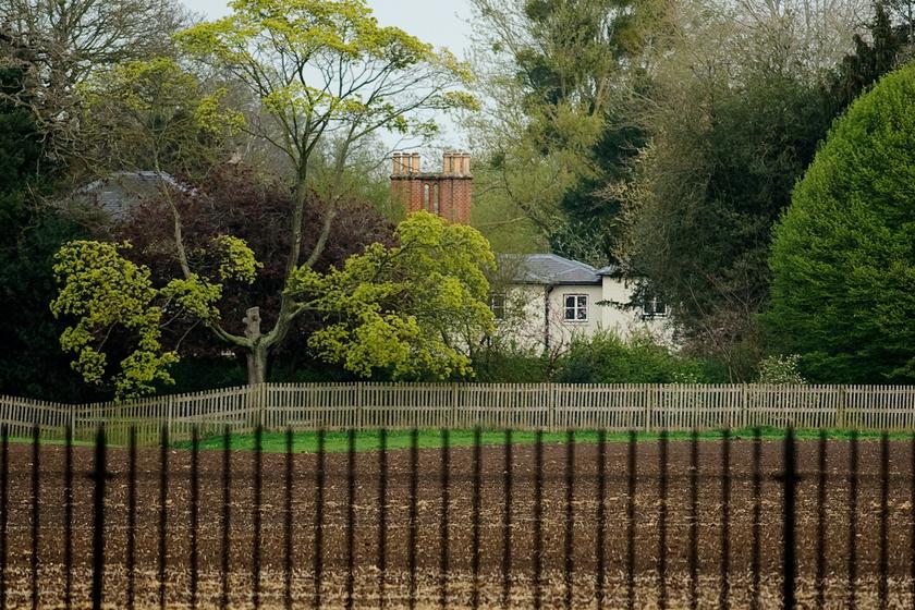 Így fest a hercegi pár windsori otthona, a Frogmore Cottage.