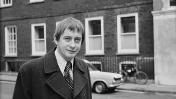 Meghalt Derek Fowlds, az Igenis, miniszter úr! színésze