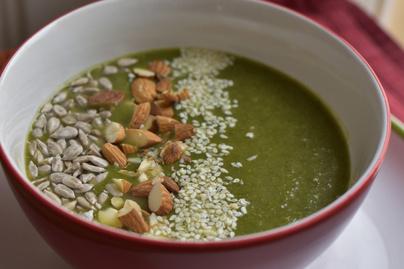 Spenótos brokkolikrémleves: lágy, selymes és vakítóan zöld