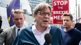 Brexit: megúszhatják a kitoloncolást, akik lecsúsznak az ideiglenes tartózkodási engedélyről