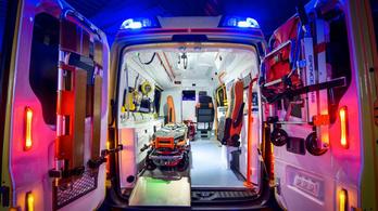 Rekordott döntött az ittas asszony, egy év alatt hatvanhatszor vitték be a mentők